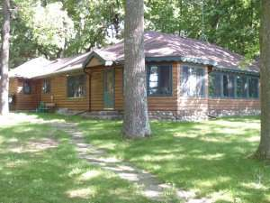 Vacation Homes for rent in Hayward - Shade Tree Lodge & Moonlight Cabin