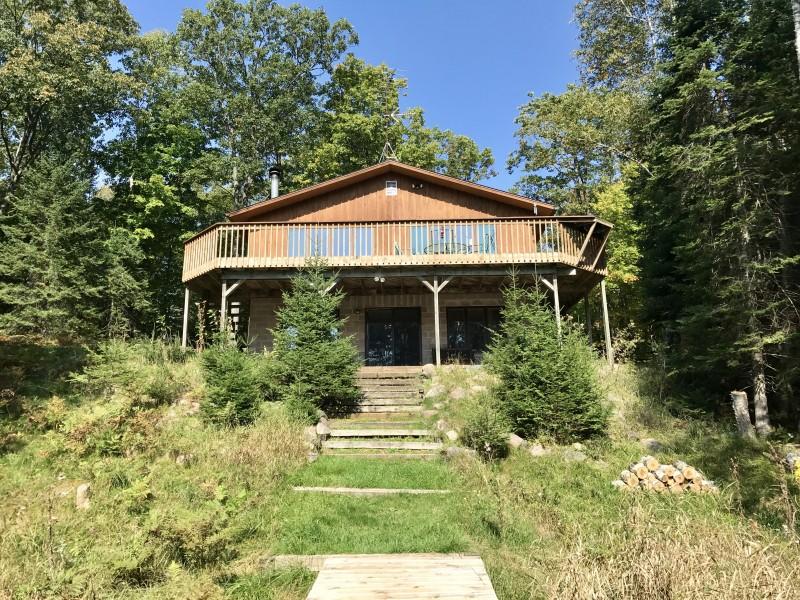 Animaapi Lodge On Whitefish Lake