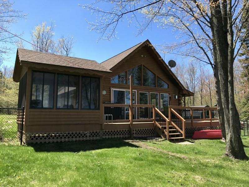 Grandpa Bygds Cabin on Nelson Lake