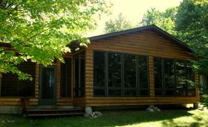 Vacation Homes for rent in Hayward - Quiet Cabin