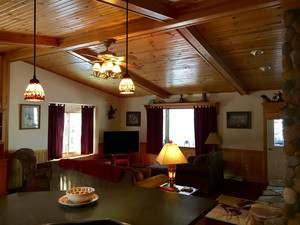 Tall Pines Lodge 10