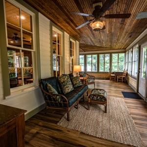 Pinecone Lodge 9