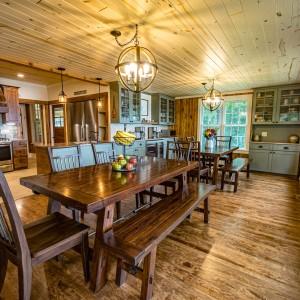 Pinecone Lodge 16